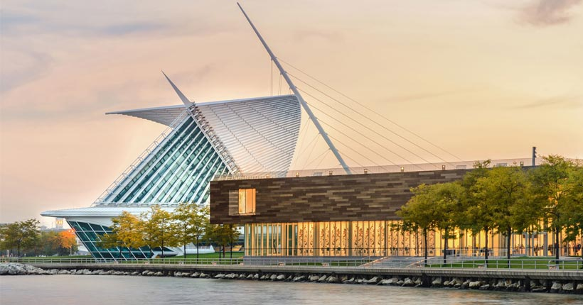 Photo: Milwaukee Art Museum -- Exterior
