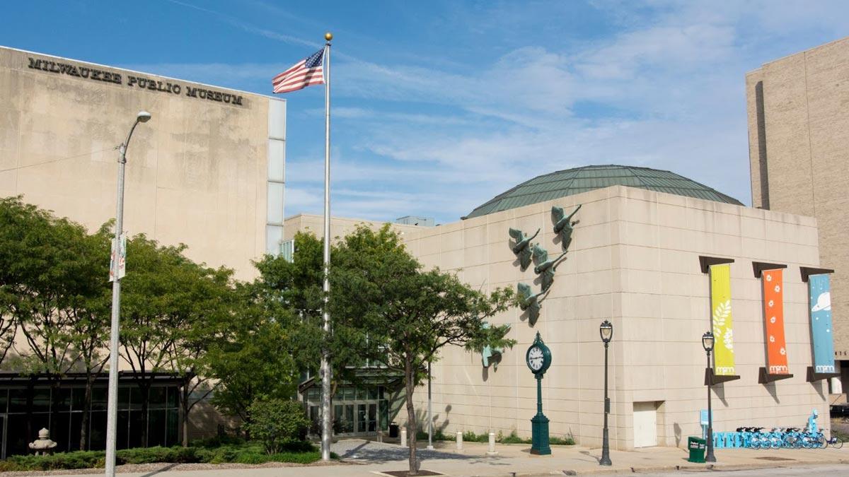 Exterior of the Milwaukee Public Museum