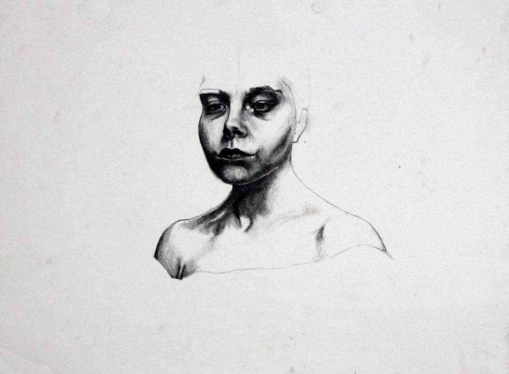Sketch of a woman from the neck down but without the top of her head